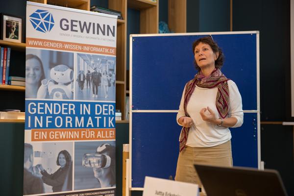 """Referentin Jutta Eckstein während ihres Workshops """"Mit dem Digitalen Wandel die Attraktivität von IT erhöhen"""""""