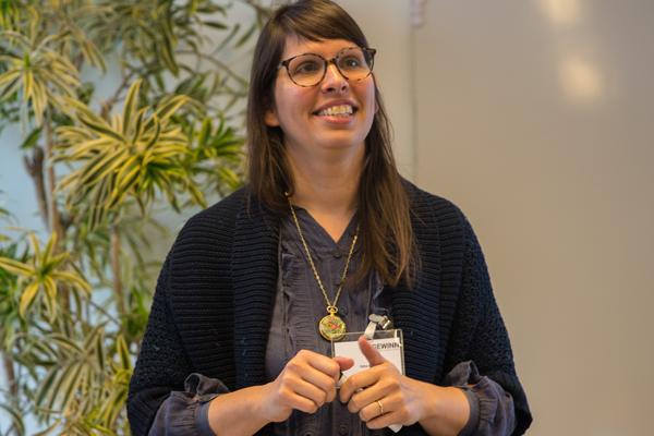 """Edna Kropp referiert zu ihrem Thema """"Frauen außerhalb ihrer Komfortzone - Lessons Learned aus der Praxis agiler Softwareentwicklungsprozesse"""""""